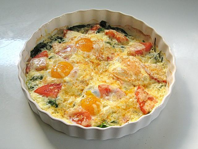 Baked Eggs with Tomatoes and Spinach https://c1.staticflickr.com/3/2257/1939648373_0df8e85880_z.