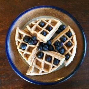Meal # 25 Belgian Waffles with Blueberries Number of servings 2 Approximate cooking time: 15 minutes Calories 454, Fat 31g Carbohydrates 23g, Protein 20g 3 large egg(s) 1 cup(s) cashew meal 1 /4