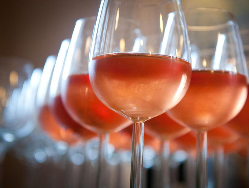ROSE WINES LE BOIS DES VIOLETTES ROSÉ, PAYS D'OC 25.70 A fresh salmon-pink rosé giving delicious strawberry, cherry fruits on the palate.